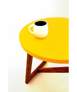TABLE BASSE / JAUNE