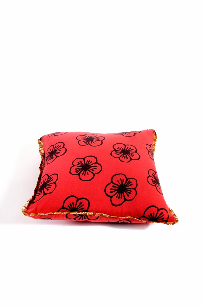 COUSSIN 30x30 MAKE UP / mora